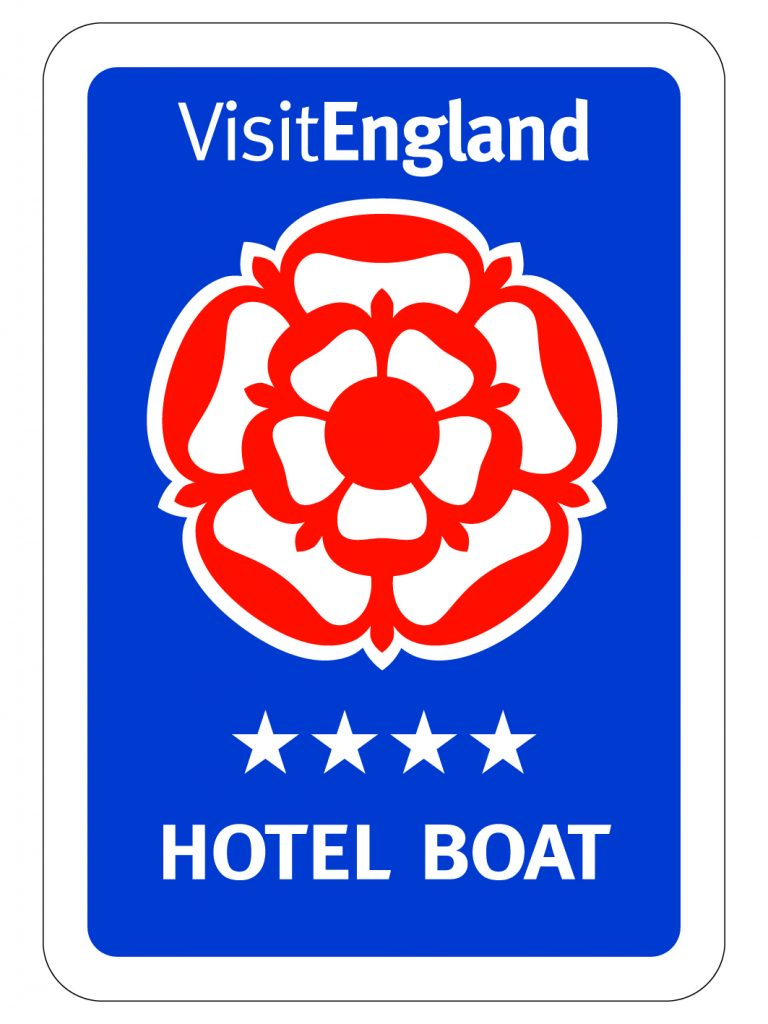 4 star hotel boat